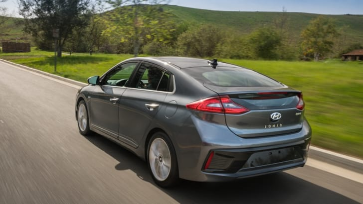 2017-Hyundia-Ioniq-press - 21