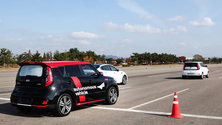 kia_autonomous-driverless-vehicle_kia-soul_04