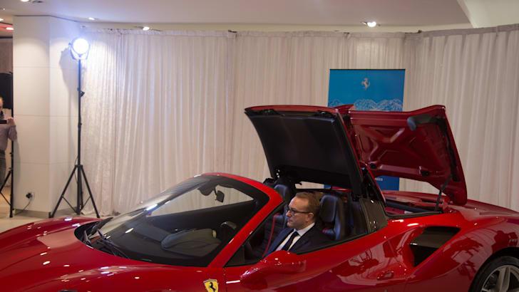 Ferrari-488-Spider-23