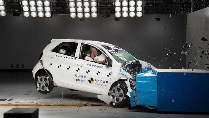 2016-Kia-Picanto-ANCAP-crash-test-5