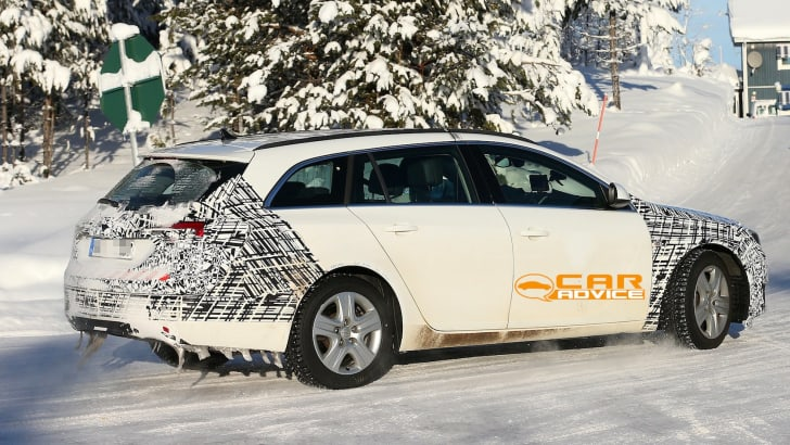Opel Insignia Wagon spied - 6