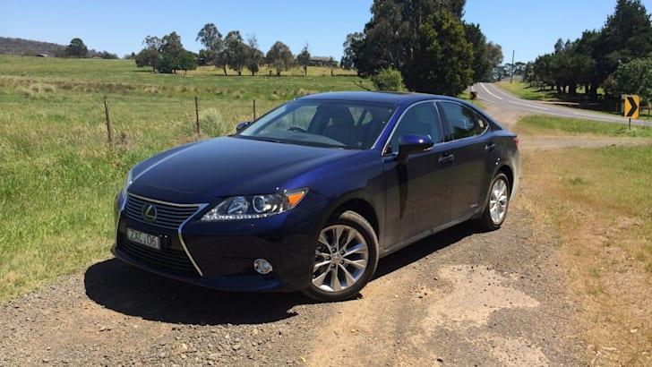 2014-Lexus-ES-Review-04