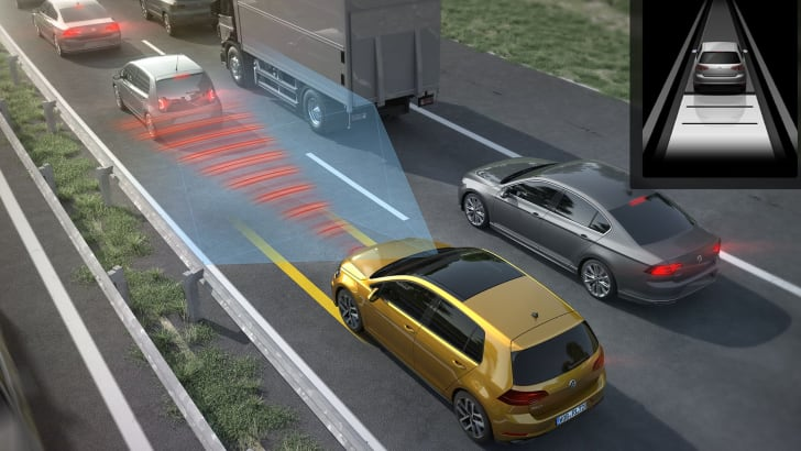 volkswagen-golf-traffic-jam-assist