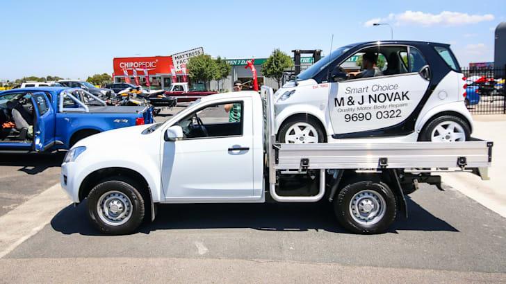 2015-isuzu-dmax-4x2-cab-chassis-high-ride-01