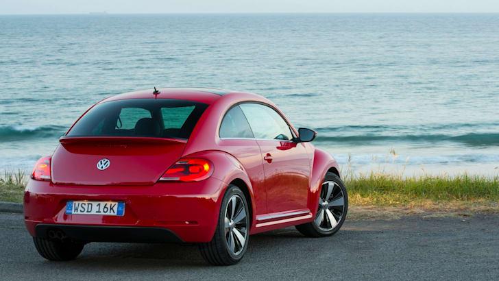 2013-Volkswagen-Beetle-7
