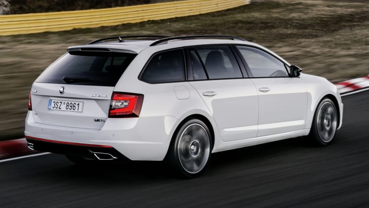 skoda-octavia-rs-wagon-rear