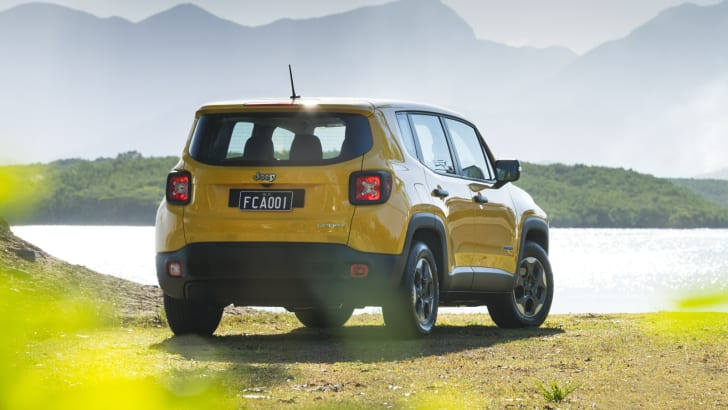 2015 Jeep Renegade_04