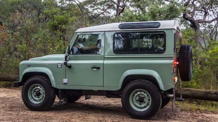 Land Rover Defender Old v New 90 Series-76