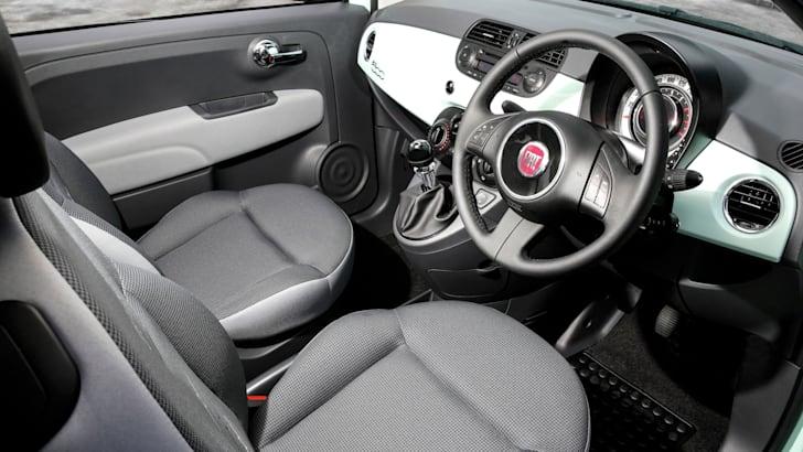 2015-Fiat-500_19