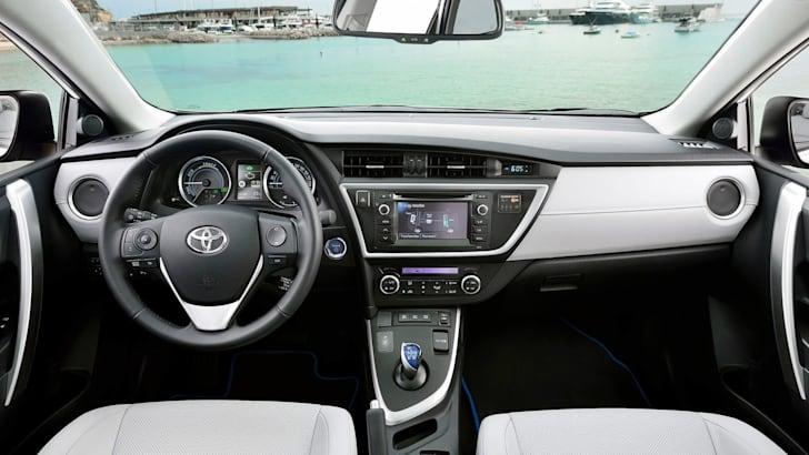 Toyota Auris Touring Sports -4