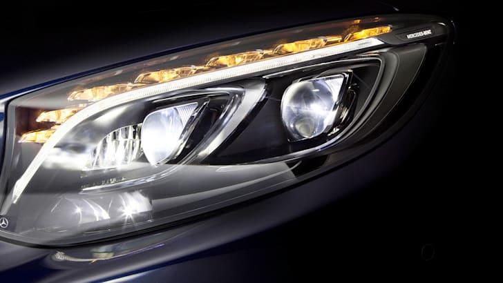 Mercedes-Benz erweitert seine LED-Scheinwerfer um ein HIGH RANGE