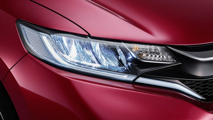 honda-fit-facelift-headlight