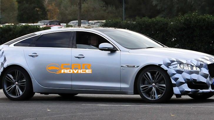 Jaguar XJ Facelift Spied - 3