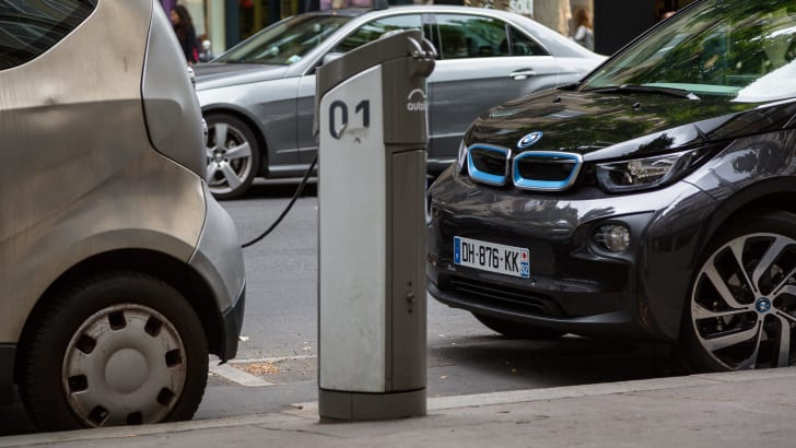 ev-car-share-paris-autolib-2015-25