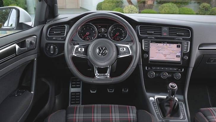Volkswagen-Golf-GTI-8