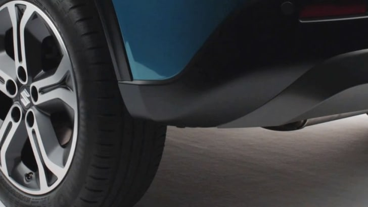 Suzuki Vitara - rear wheel and bumper