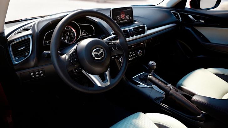 Mazda-3-hatch-12