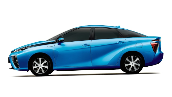 Toyota Fuel Cell Vehicle_4