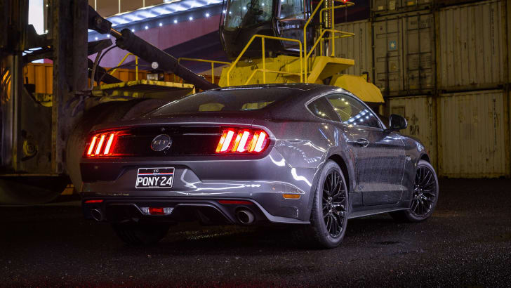 2016-ford-mustang-gt-v8-manual-grey-61