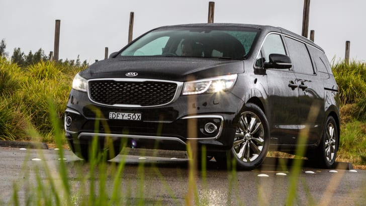 2016_kia_carnival_review_tile