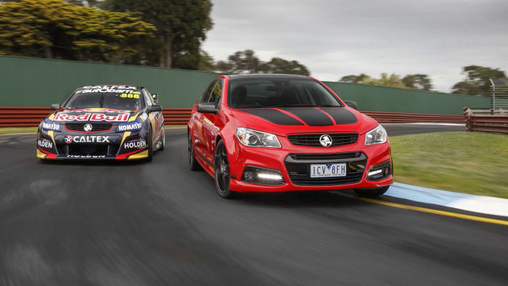 Holden-Craig-Lowndes-SS-V-Special-Edition-Commodore.-October-9-2014-115233