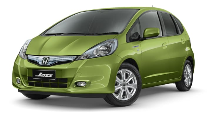 2013-Honda-Jazz-Hybrid-02