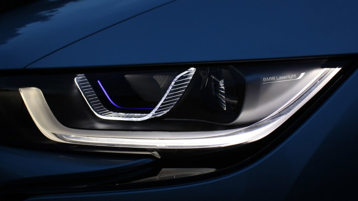 BMW i8 Laser Light high beam and LED low beam