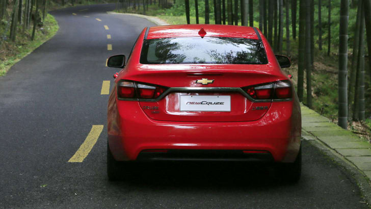 chevrolet-cruze-china-rear