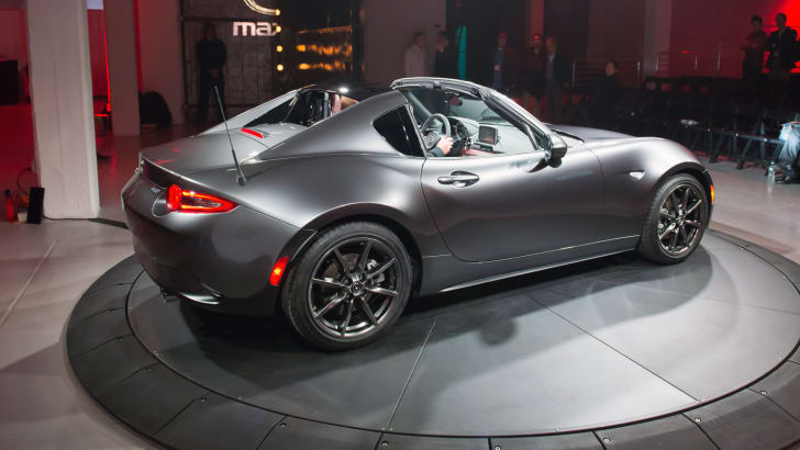2016_mazda_mx-5-rf_new-york_live_05
