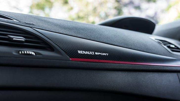 renault-megane-rs275-trophyr-2015-39
