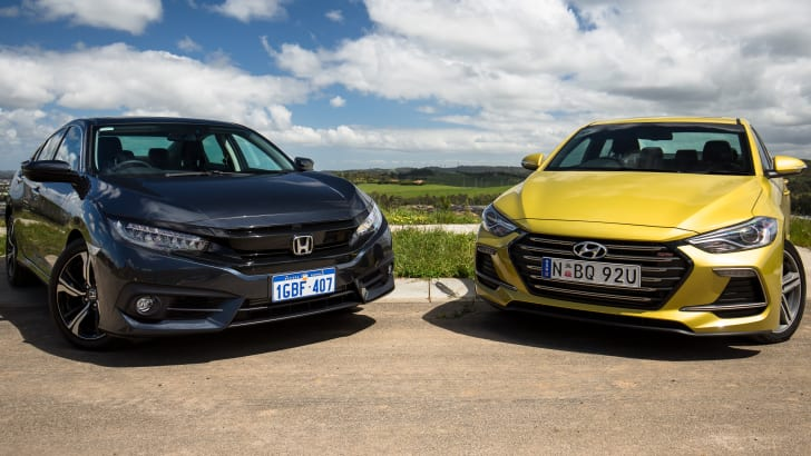 2016-honda-civic-rs-v-hyundai-elantra-sr-turbo-comparison-15