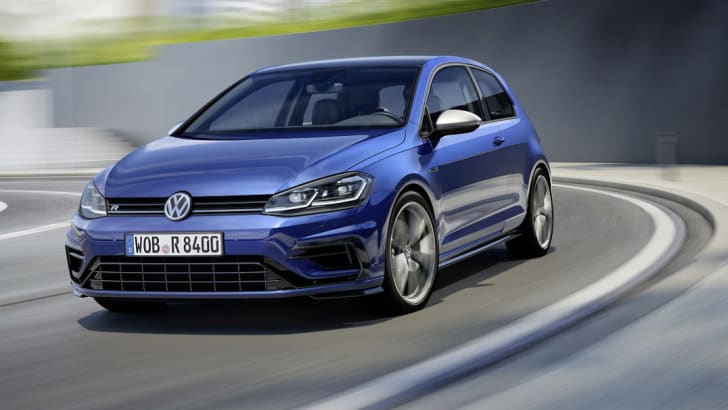2017_volkswagen-golf-r_01