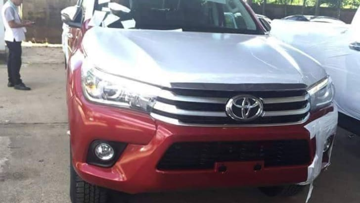 2016_Toyota_HiLux_Revo_Leaked_1