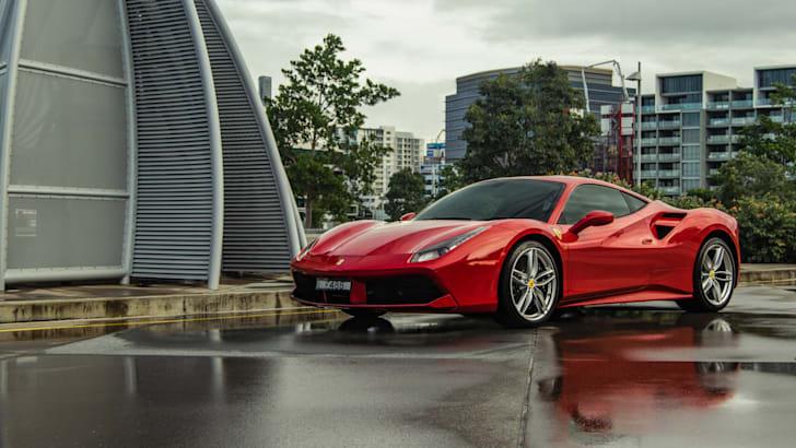 2017-Ferrari-488-GTB - 34