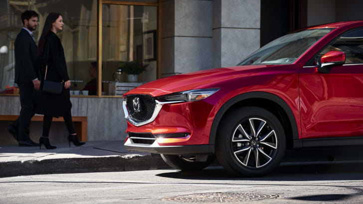 3-all-new-cx-5-lifestyle_na-3