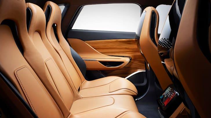 Jaguar C-X17 Concept - 6