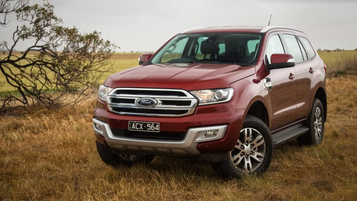 2016-toyota-fortuner-v-ford-everest-comparison-61