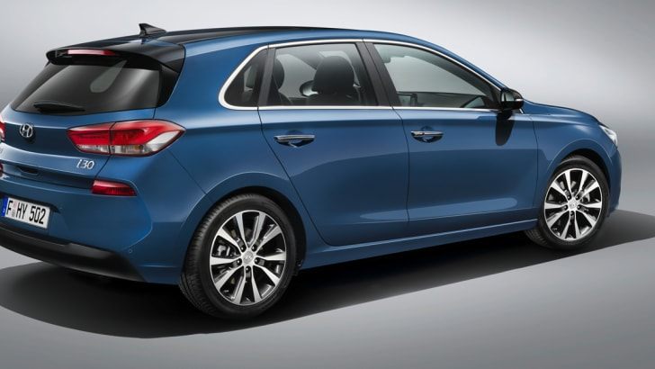 2017_hyundai_i30_official_04
