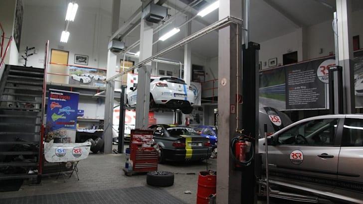 The Nurburgring expreinece: Renualt Megane RS26548