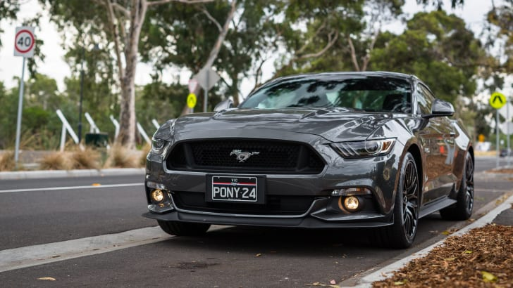 2016-ford-mustang-gt-v8-manual-grey-39