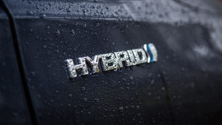 2016 Toyota Camry Atara SL Hybrid-12