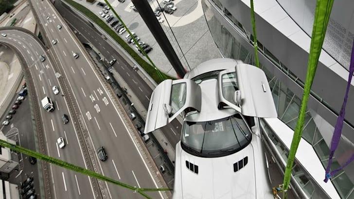 2010-Mercedes-SLS-AMG-Museum-14