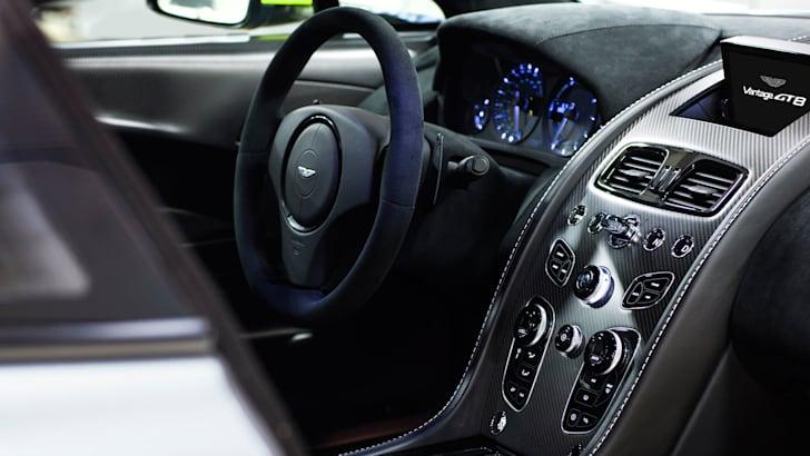 aston-martin-vantage-gt8-interior