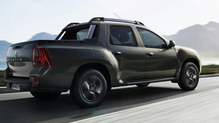 renault-duster-oroch-rear