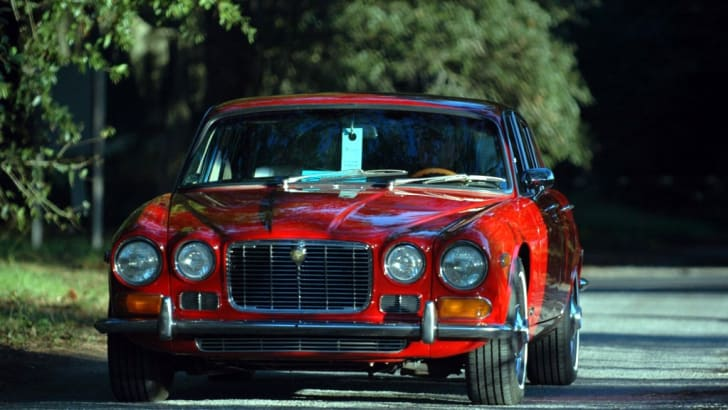 72-Jaguar_XJ6-S1_TV-07-HHC_dt01