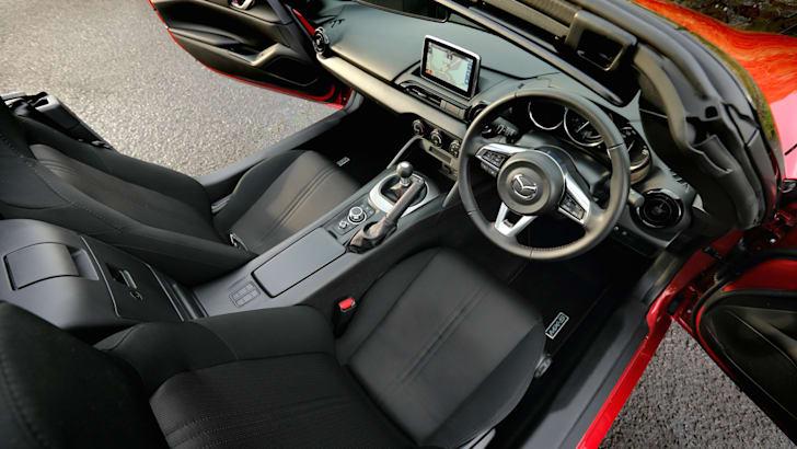 Mazda MX-5 2.0L_25
