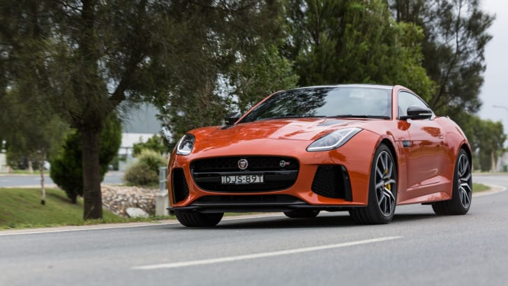 2017-jaguar-f-type-svr-57