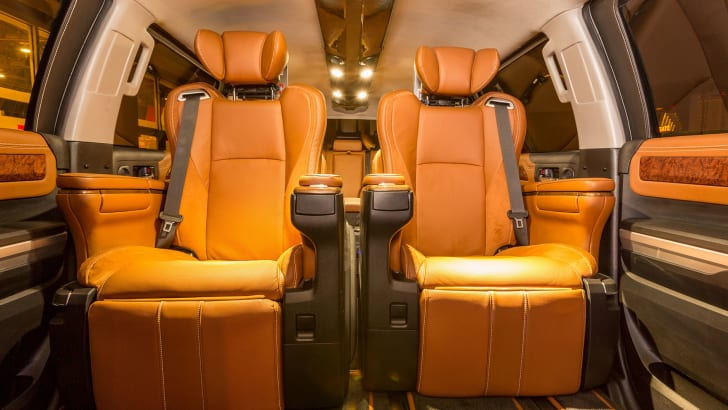 toyota-tundrasine-seats