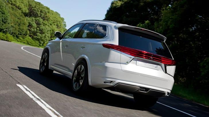 Mitsubishi Outlander PHEV Concept-S22