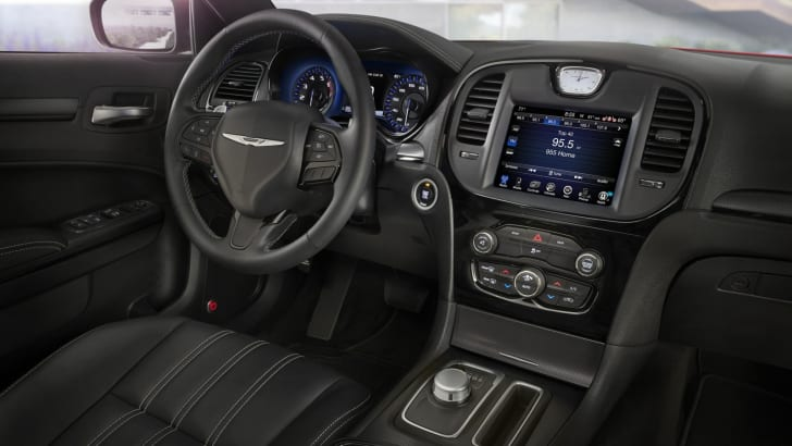 2015 Chrysler 300_07
